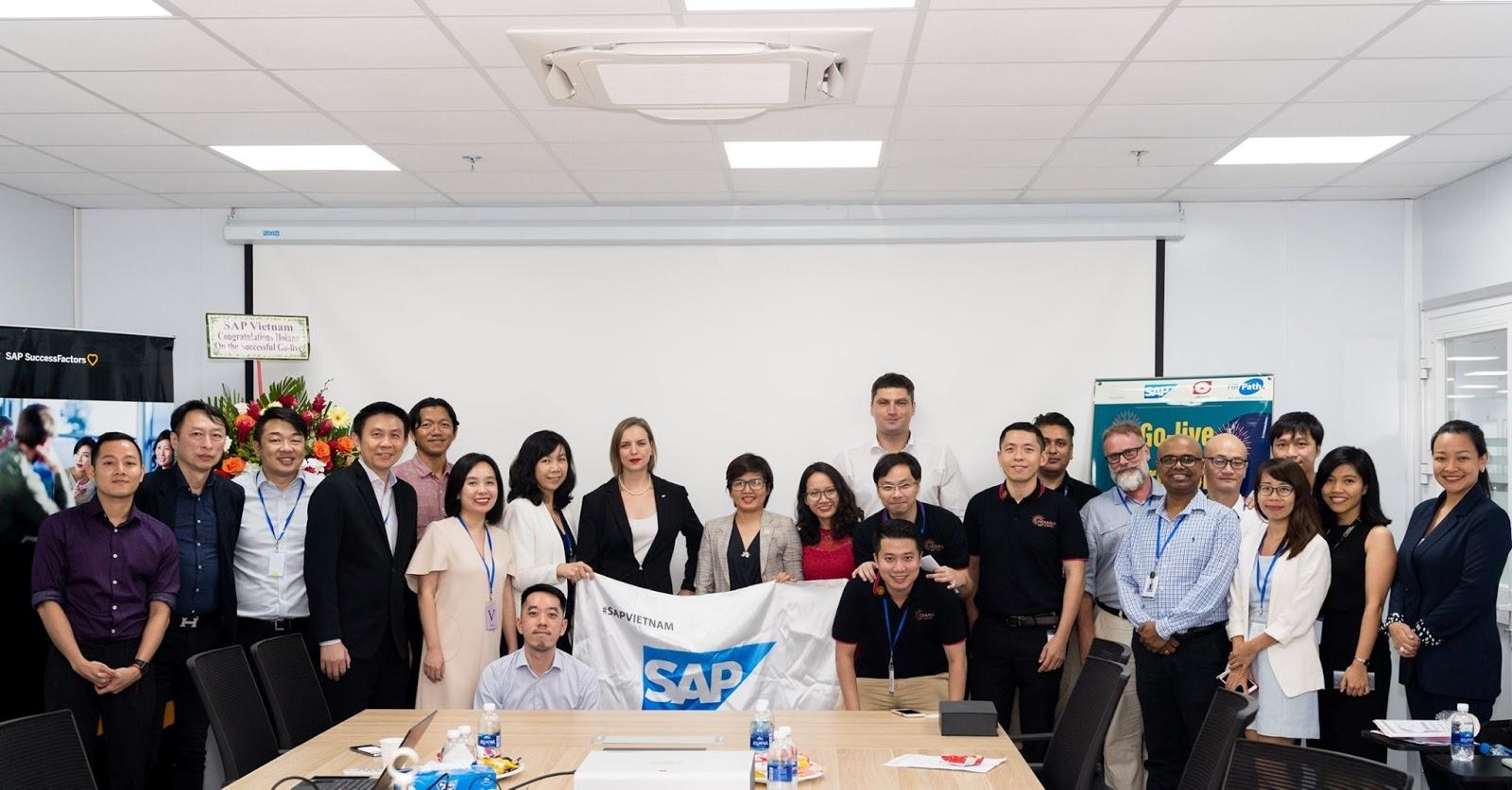 ABEO cùng đối tác kỉ niệm GoLive thành công dự án Hoiana SAP S4/ HANA chuyên về lĩnh vực phần mềm SAP quản lý nhà hàng