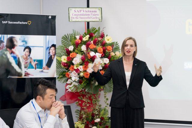 SAP CEO và đại diện ABEO phát biểu